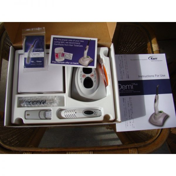 Kerr Demi Plus LED curing light dental